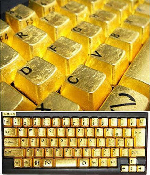 كمبيوتر محمول من الذهب Golden-keyboard